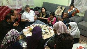Vali Aykut Pekmez Gülağaç İlçesinde Abay ve Uslu ailelerinin misafiri oldu