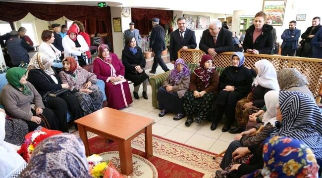 IŞIL MANTI HANIMEFENDİ'DEN AKSARAY HUZUREVİNE ZİYARET