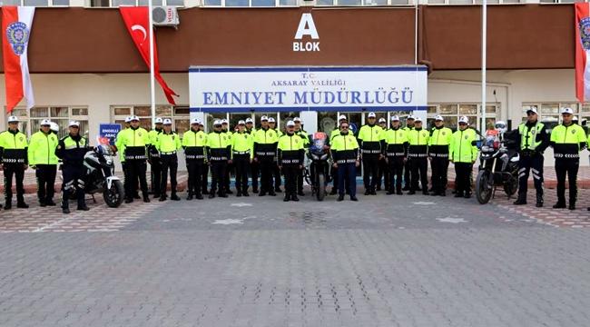 AKSARAY'DA TRAFİK POLİSLERİNİN YENİ KIYAFETLERİ İL EMNİYET MÜDÜRLÜĞÜNDE TANITILDI