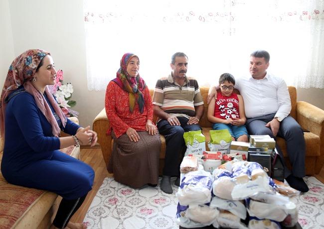 """AKSARAY BELEDİYESİ """"TROZİNEMİ TİP 1"""" HASTALARINA YARDIM ELİ UZATIYOR"""