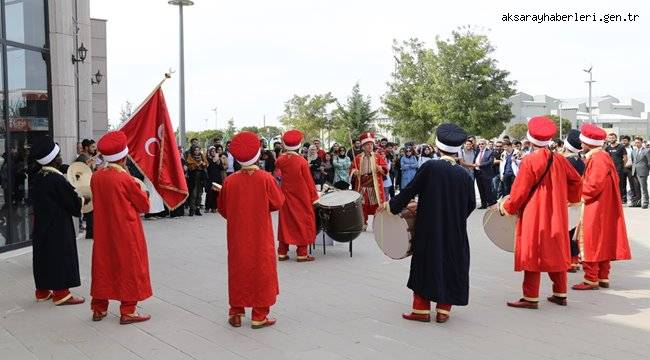 ASÜ MEHTER TAKIMINDAN MİNİ KONSER
