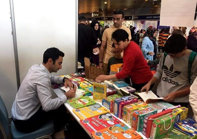 Konya'da 450 yazar ve 250 yayınevinin katıldığı fuarda Aksaraylı yazar da vardı