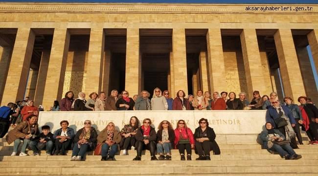 Aksaray Anneler Derneği Anıtkabir ziyareti gerçekleştirdi