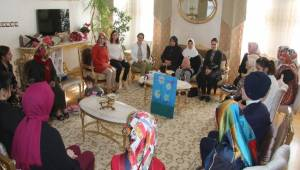 Engelli Derneklerinin kadın yöneticileri ve ailelerden Işıl Mantı Hanımefendi'ye ziyaret