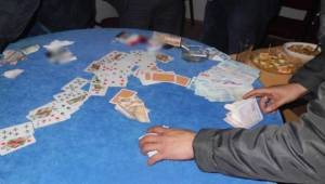 AKSARAY'DA OYUN SALONUNA YAPILAN KUMAR BASKININDA UYUŞTURUCU MADDE ELE GEÇİRİLDİ
